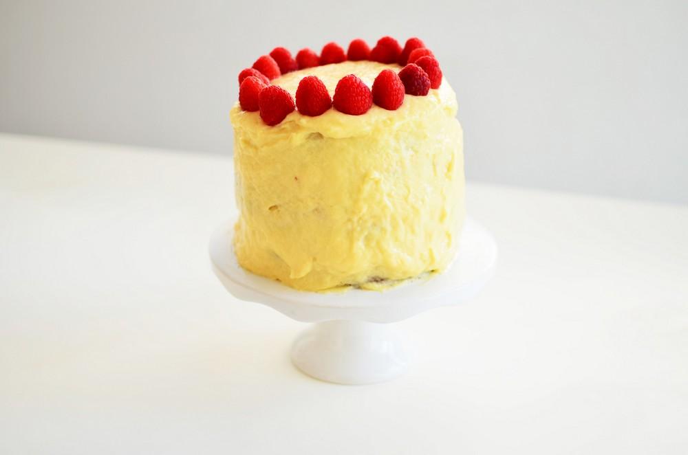 Panetone-and-Vanilla-Cream-Cake-recipe-christmas-traditional-italian-dought-vanilla-eggs-milk-cream-ingredients-direction-cool-artisan-1